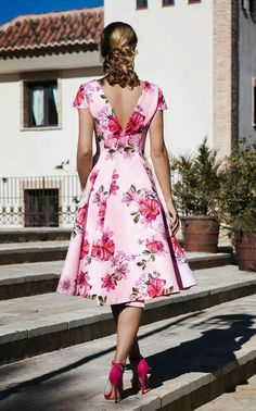 Mode Tutorial and Ideas Flowery Dresses, Elegant Dresses, Pretty Dresses, Beautiful Dresses, Casual Dresses, Short Dresses, Summer Dresses, Formal Dresses, Dress Outfits