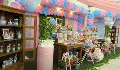 """""""Adorei a decoração!   Ficou tudo lindo e de muito bom gosto.   Obrigada por deixarem especial a festa da minha filha""""   Viviane       ..."""