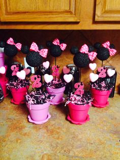 Minnie Mouse table decorations.