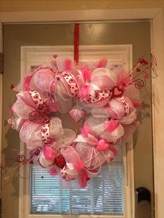 Valentine's Heart Wreath-Mesh Wht/pink/red