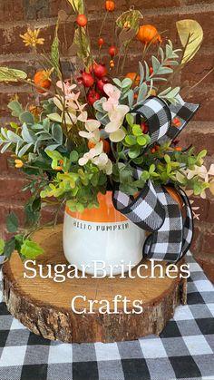 Autumn Decorating, Porch Decorating, Decorating Ideas, Decor Ideas, Craft Ideas, Fall Wedding Centerpieces, Fall Centerpiece Ideas, Fall Flower Arrangements, Fall Home Decor