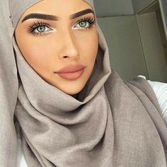 Beautiful Muslim Women, Beautiful Hijab, Muslim Fashion, Hijab Fashion, 90s Fashion, Beau Hijab, Dress Muslim Modern, Makeup Hijab, Rapper
