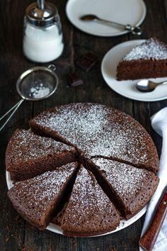 Moelleux au chocolat (bien gonflé et aérien) - Amandine Cooking Biscuits, Bread, Cookies, Chocolate, Cake, Recipes, Sweet Sweet, Ramadan, Food