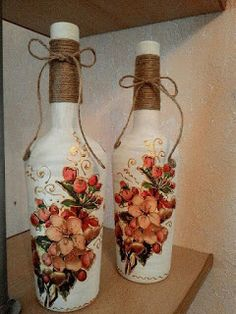 would simplify painting but love the wrap around the top Wine Bottle Vases, Glass Bottle Crafts, Painted Wine Bottles, Diy Bottle, Glass Bottles, Perfume Bottles, Decoupage Jars, Altered Bottles, Antique Bottles