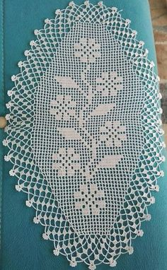 Best 9 Örtü dantel by socorro Cotton Crochet, Thread Crochet, Crochet Stitches, Knit Crochet, Crochet Doily Patterns, Crochet Doilies, Knitting Patterns, Crochet Table Runner Pattern, Crochet Tablecloth