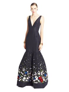 $10290 New Oscar de la Renta Navy Floral Feather Embroidery Faille Trumpet Gown  #OscardelaRenta #Gown #Formal