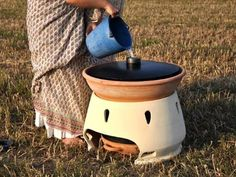 Solar Still Makes Water Purification Easy, Works Like an Upside-Down Coffee Maker