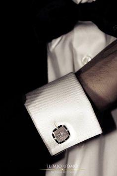 Vesti lo stile italiano con la linea di accessori Il Mio Uomo. Completamente personalizzabili, 100% made in Italy. #ilmiouomo #theitaliangentleman #fashion #accessories #cufflinks #italy #dubai #mydubai #classic #gentleman