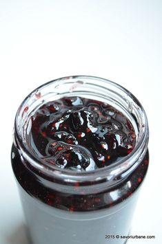 Dulceata de fructe de padure asortate Savori Urbane (2) Jam And Jelly, Jam Jar, Pastry Cake, Diy Food, Preserves, Pickles, Pantry, Food And Drink, Sweets
