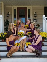 Purple paired with yellow sunflowers. Pretty!
