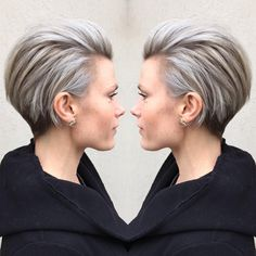 • ashy fierceness •  Ljusa folieslingor penslades i hela håret, med undantag för nacken. Håret nyanserades sedan i en askgrå ton. Frisyren formklipptes och stylades med torrschampo från ref och modular hairspray från Revlon.  Frisör: Jenny  #revlon #blondeup #wella #colourtouch #ashyhair #grannyhair #greys #blondes #shorthair #haircut #hairdressermagic #foils #highlights #revlonprofessional #hairpost #imallaboutdasilver #modernsalon #behindthechair #hairdresseronfire #wedogreathair