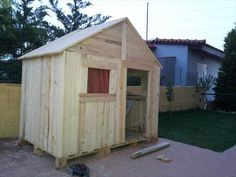 Pallet Playhouse - 5 DIY Pallet Furniture Projects   99 Pallets