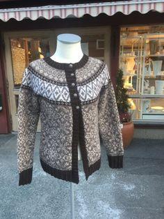 Fortunakofta Fair Isle Knitting, Punch, Knitting Patterns, Crochet, Sweaters, Cards, Fashion, Jackets, Sweater Jacket
