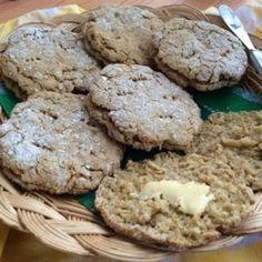 Kauraleipäset Salty Foods, Salty Snacks, Savoury Baking, Vegan Baking, No Salt Recipes, Cooking Recipes, Cooking Tips, Good Food, Yummy Food