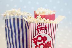 Decoración de fiestas. Bolsas de papel y cajita de cartón Popcorn.