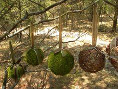 6-moss-balls-kissing-wedding-balls-fairy-party-woodland-decorations-800x600.jpeg 800×600 pixels