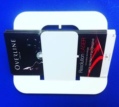 idimmidove | #lasciamisolo, l'accessorio versatile per un centro benessere: porta depliant, porta asciugamani, appendiabiti... #idimmidove #design #madeinitaly #beautycenter #coatrack #accessories #ultramarineblue #overlineitalia