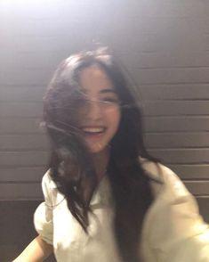 Don't promise me if you're the person who broke that bullshit. ⚠ k… # Fiksi Penggemar # amreading # books # wattpad Ulzzang Korean Girl, Cute Korean Girl, Ulzzang Couple, Asian Girl, Korean Aesthetic, Aesthetic Girl, Ulzzang Girl Fashion, Girl Korea, Photography Poses