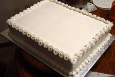 Wedding Cake Mondays: Five Ways to Save Wedding Cake Costs