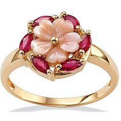 I don't usually like yellow gold but this is soooooo pretty. #pink #jewelry #ring