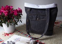 ***handles of front plackets w/buttonholes/buttons/snaps.   Upcycled Denim Tote DIY 3