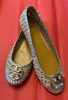 Chelsea Woven Metallic Leather Ballet Flats in excellent used condition. Runs small, please know your Tory shoe size. Dust bag and original box is NOT included.
