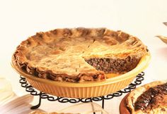 Tourtiere Recipe Quebec, Beef Recepies, Xmas Food, Canada Day, Pot Pie, Apple Pie, Food And Drink, Baking, Desserts