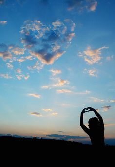I heart you hands and an heart shaped clouds in blue sky Heart In Nature, Heart Art, Cool Pictures, Cool Photos, Beautiful Pictures, I Love Heart, Happy Heart, Love Symbols, What Is Love
