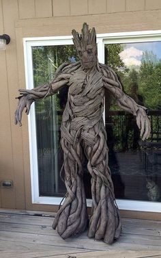 Cosplay Costume If you're a super fan of Marvel's Guardians of the Galaxy, we've got the bestest Halloween costume inspo for you, ever: GROOT! Halloween Kostüm, Couple Halloween Costumes, Diy Halloween Costumes, Halloween Cosplay, Holidays Halloween, Halloween Decorations, Crazy Costumes, Cool Costumes, Cosplay Costumes