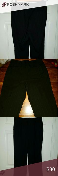 Black Men's dress pants Taylor made in Jakarta men's slacks. 32W X 33L Great condition without signs of wear. Nice and breathable linen. Pants Dress