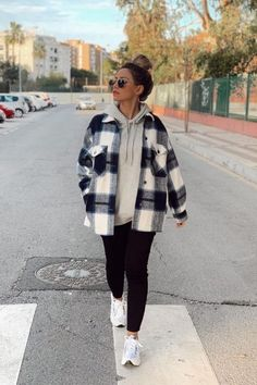 Trendy Fall Outfits, Casual School Outfits, Cute Comfy Outfits, Casual Winter Outfits, Winter Fashion Outfits, Retro Outfits, Simple Outfits, Look Fashion, Zara Fashion