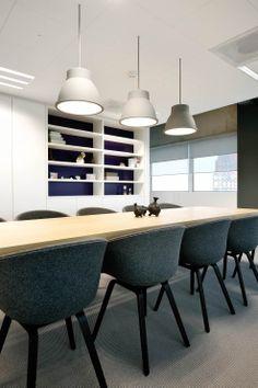 Kantooromgeving oplevering 2014 meubilair geleverd n a v een extern ontwerp wit rustig - Chique landstijl meubilair ...