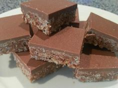 Recipe Mars Bar Slice by karyn amos, learn to make this recipe easily in your kitchen machine and discover other Thermomix recipes in Desserts & sweets. Cereal Recipes, Sweets Recipes, Cooking Recipes, Mars Bar Slice, Cheddarwurst Recipe, Slice Recipe, Bonbon Caramel, Spagetti Recipe, Bellini Recipe