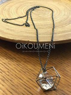 Soft industrial επιλογές. Με μια διάφανη και λαμπερή καρδιά που χτυπάει ασταμάτητα. Handmade Necklaces, Arrow Necklace, Pendant, Jewelry, Jewlery, Jewerly, Hang Tags, Schmuck, Pendants