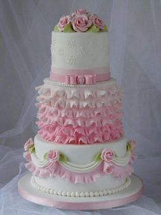 Beautiful cake!... Love it for a Quinceanera! #Quince