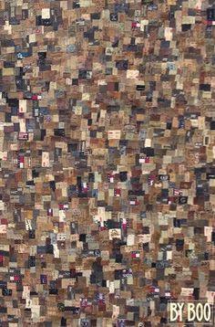 Dit is een met de handgemaakt karpet samengesteld van broek labels. Afmeting (160x230cm) Het karpet is te bestellen en te bekijken bij ons in de winkel. Voor €299,- www.gaaf.nu