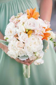 bridal bouquet idea; photo: Sara Wight Photography