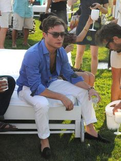Ed Westwick looks effortlessly cool and casual at a Hamptons Party. We heart him!