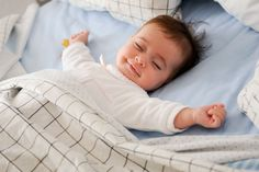 The steps to take to create sensible sleep for baby. How to create healthy sleep habits for babies. Baby Whisperer sleep tips. Beautiful Children, Beautiful Babies, Little People, Little Ones, Cute Kids, Cute Babies, Babies Pics, Bcbg, Sleeping Through The Night