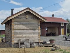 Pohjalaista unelmaa: Sauna Saunas, Cottage Homes, Old Houses, Finland, Shed, Stairs, Outdoor Structures, Cabin, Landscape