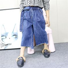 a4edc290 Ropa para niños 2018 otoño y el invierno nueva suelta pantalones vaqueros  de las muchachas pantalones anchos de la pierna pantalones botón de la  cintura ...