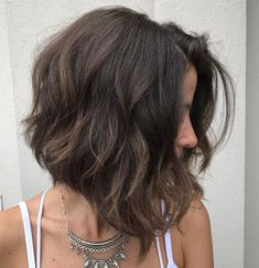 60 Most Magnetizing Hairstyles for Thick Wavy Hair Inverted Thick Wavy Brown Bob There are tons of lob hairstyles for wavy hair to choose from, b. Cute Hairstyles For Medium Hair, Medium Bob Hairstyles, Haircut For Thick Hair, Medium Short Hair, Short Wavy Hair, Thick Wavy Haircuts, Pixie Haircuts, Wedding Hairstyles, Hair Styles For Thick Hair Medium