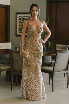 vestido de festa bordado  para formatura ou madrinha