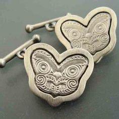 NZ gifts online: Corporate gifts (NZ made) & superb New Zealand gifts Maori Designs, Maori Art, Kiwiana, Animal Jewelry, Online Gifts, Corporate Gifts, Gifts For Him, New Zealand, Craftsman