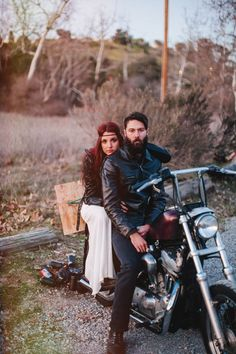 bride + groom on motorcycle // photo by Tyler Branch Photo // styling by laceandlikes