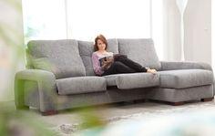 Hugo. Destaca por su comodidad gracias a su respaldo extra-alto  con cabezal reclinable. Tiene una amplia variedad de opciones. Asiento extraible, sofá,  modular, sofá-cama, modular-cama, arcón, brazos intercambiables, mesa rincón con hueco para guardar todo tipo de accesorios.