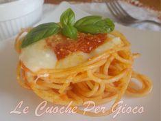 Nidi di Spaghetti al Pomodoro Filanti