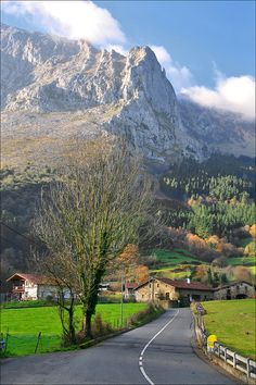 If you like to explore & discover new destinations Arrazola Spain is really worth seeing, because of its vast beauty that has forever won the hearts of its visitors!
