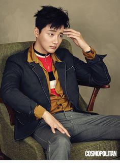 Yoon Shi Yoon rocks our world in his photoshoot for Cosmopolitan Korea. Asian Actors, Korean Actors, Korean Idols, Dong Gu, Jin Yi Han, Yoon Shi Yoon, Mr Perfect, Sung Hoon, Kdrama Actors