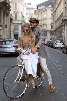 Women's and men's italian style Gentleman Mode, Gentleman Style, Mens Style Guide, Men Style Tips, Mens Fashion Blog, Look Fashion, Fashion Black, Street Fashion, Fashion Ideas